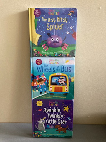 Peek and Play Rhymes (The Itsy Bitsy Spider/The Wheels on the Bus/Twinkle, Twinkle, Little Star)